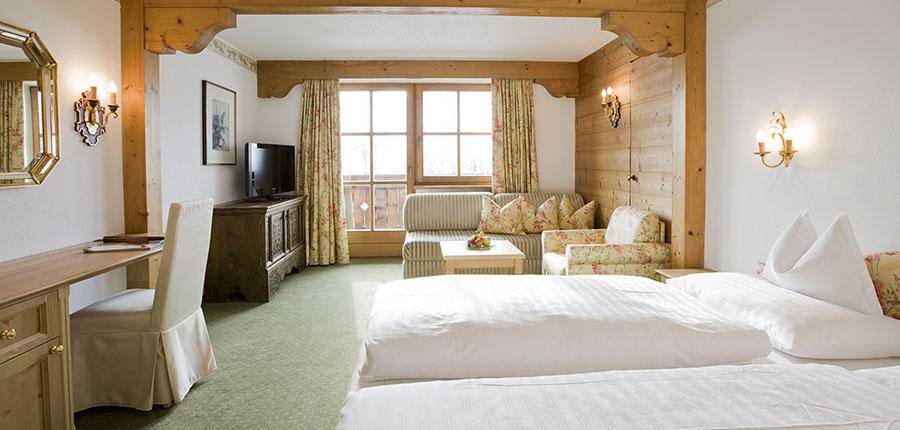 austria_arlberg-ski-area_lech_hotel_sonnenburg_oberlech_large_bedroom.jpg
